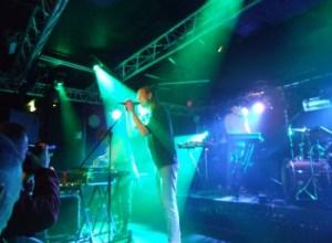 When Saints Go Machine med Nikolaj Manuel Vonsild i forgrunden viste international format på Eurosonic. Foto: Jon Hededal