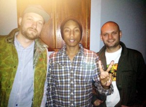 Pitchshifters i studiet med Pharrell.
