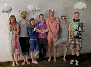 múm - islandsk indslag på Ja Ja Ja. (Foto: James Kendall).