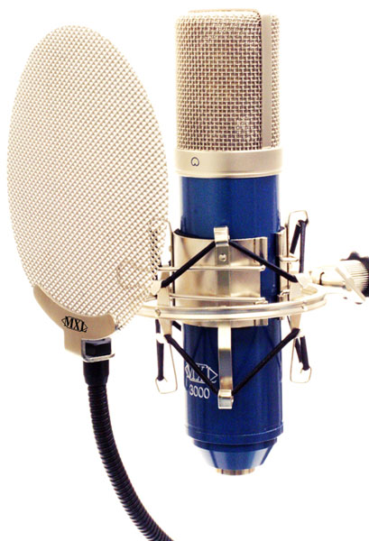 package/kit for the MXL 3000 microphone
