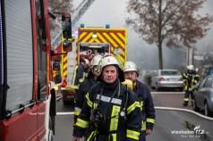 Feuer in einer Industriehalle in der Ludwig Erhard Str. in Oberursel. Gebäude in Vollbrand. Ca 150 Einsatzkräfte im Einsatz