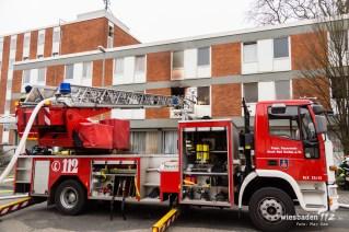 Feuer in einer Asylunterkunft in Liederbach am Sonntagmorgen. 94 Personen mussten durch die Feuerwehr evakuiert werden. Glücklicherweise wurde niemand verletzt