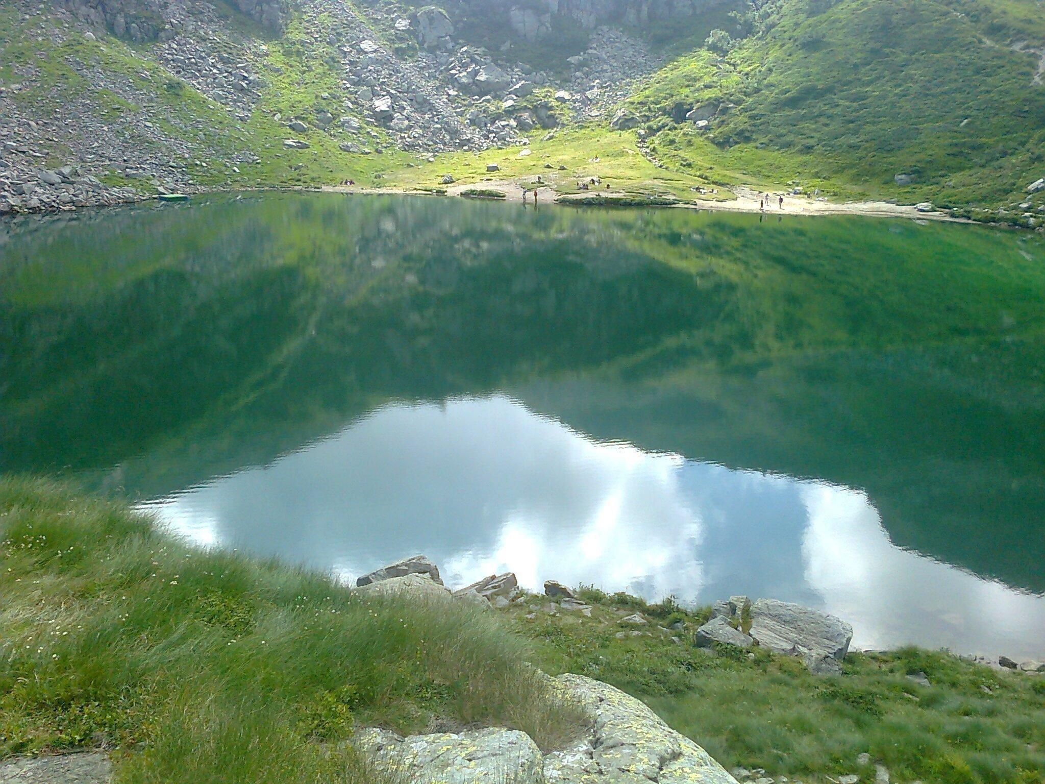 a lake in the mountains 12 1440x1080 - A lake in the mountains