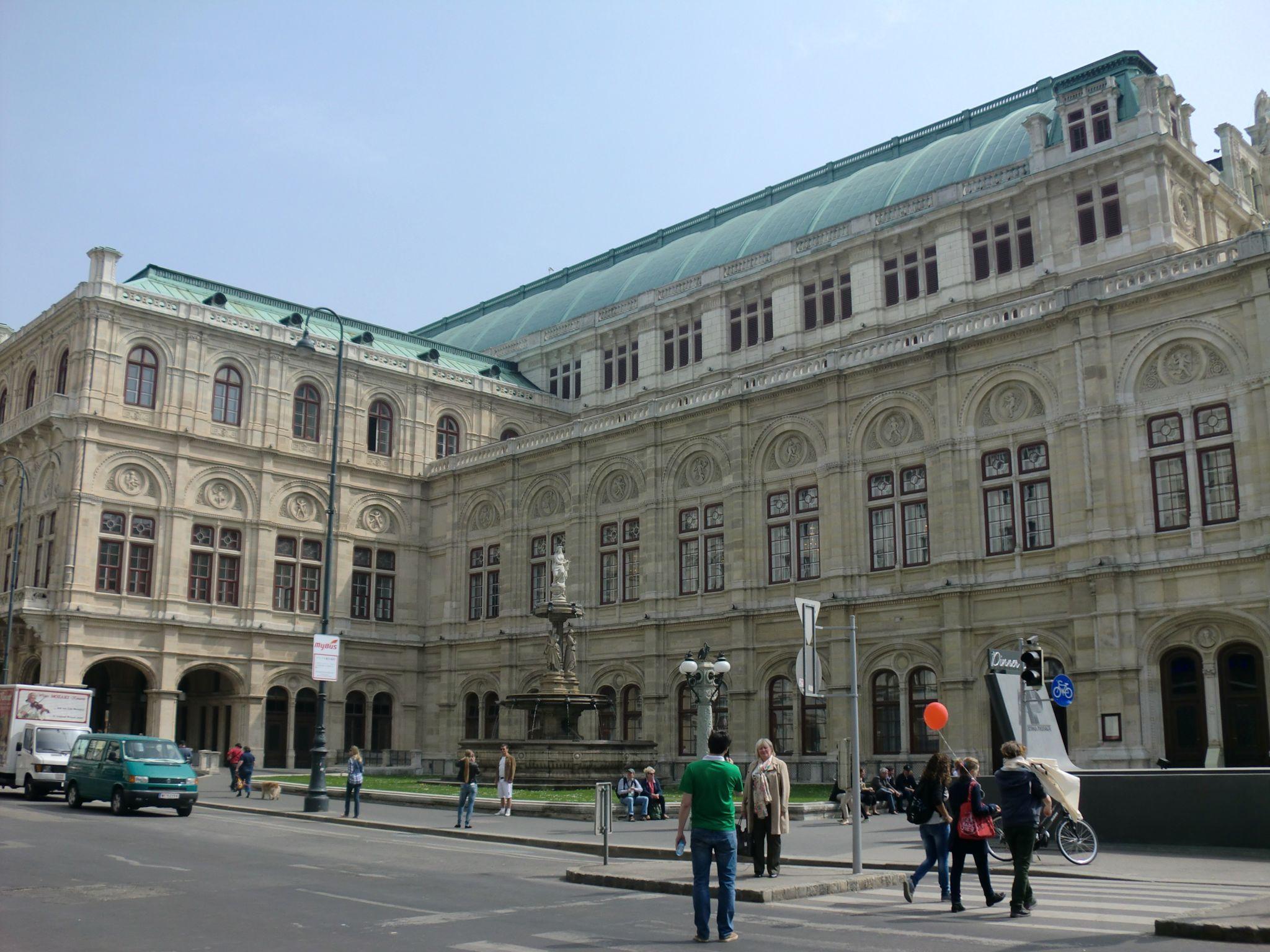 Vienna Opera 1 1440x1080 - Vienna: elegant beauty