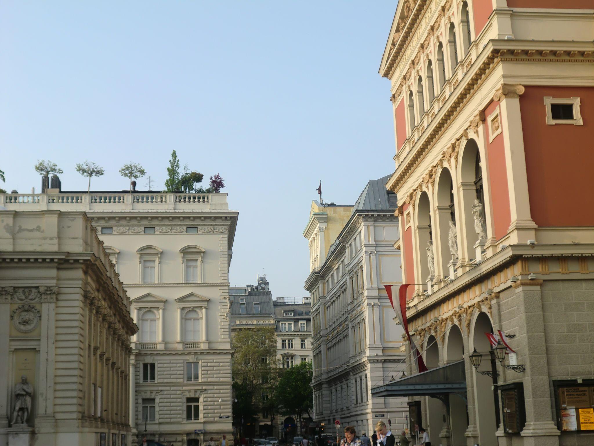 Vienna Opera 12 1440x1080 - Vienna: elegant beauty
