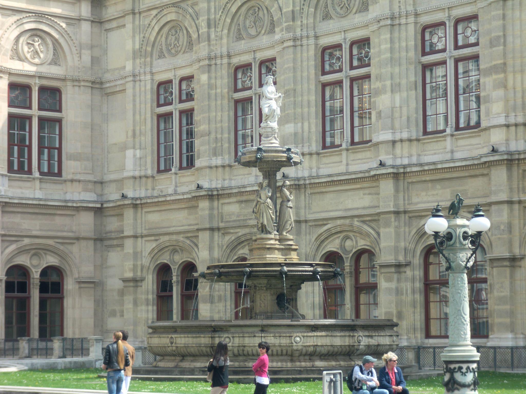 Vienna Opera 2 1440x1080 - Vienna: elegant beauty