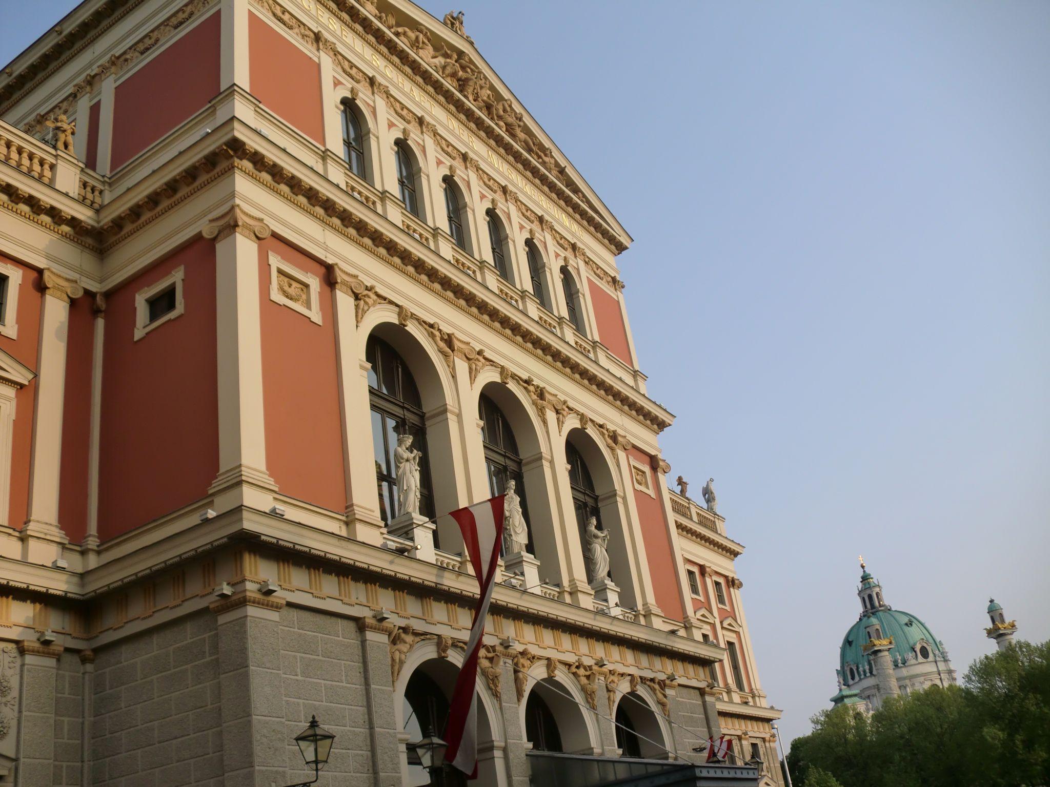 Vienna Opera 9 1440x1080 - Vienna: elegant beauty