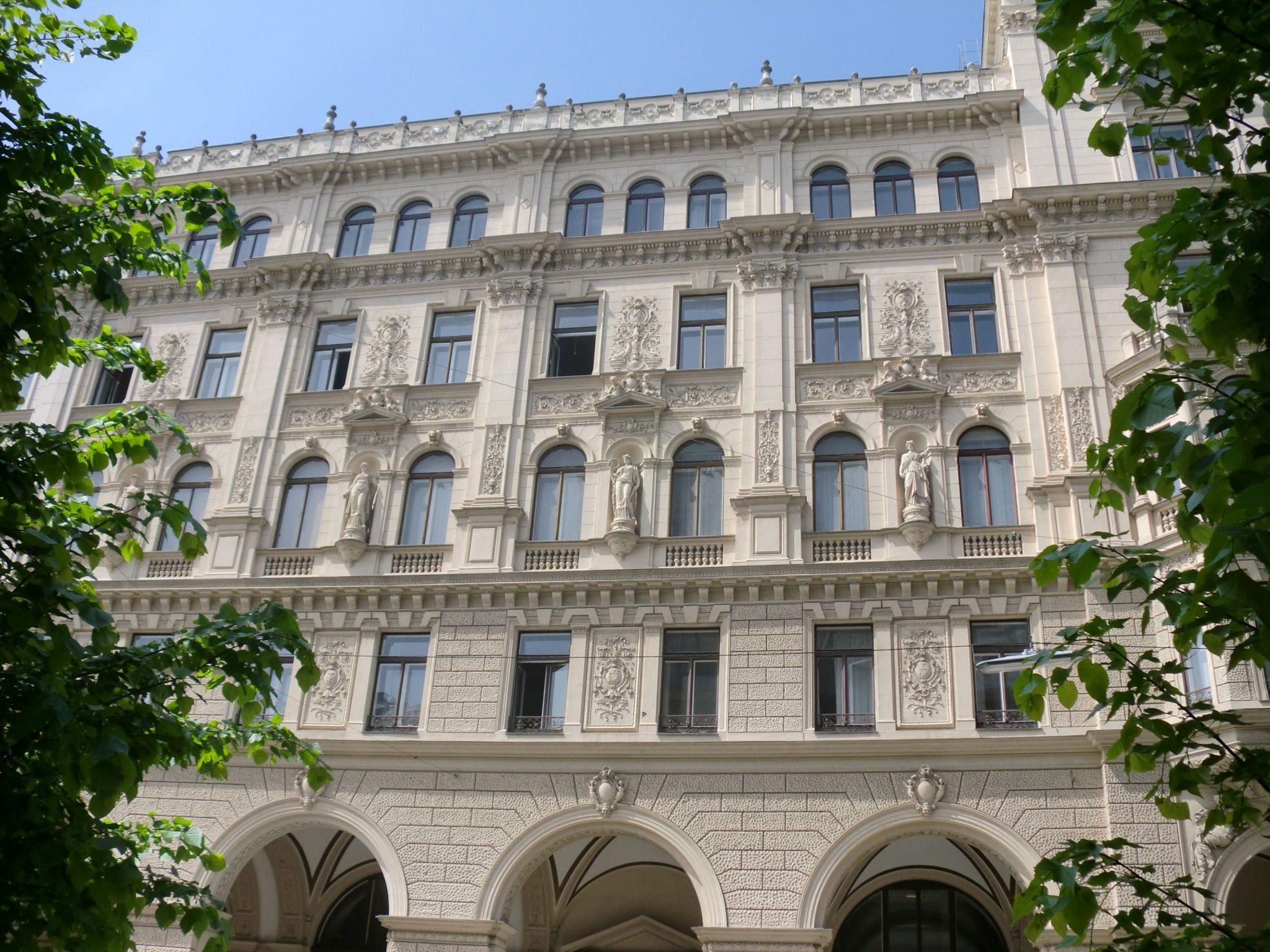 Vienna architecture 25 1440x1080 - Vienna: elegant beauty