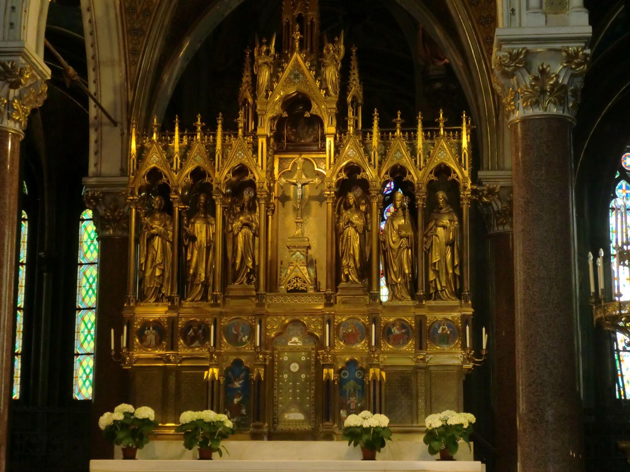 Vienna cathedral 19 1440x1080 - Vienna: elegant beauty