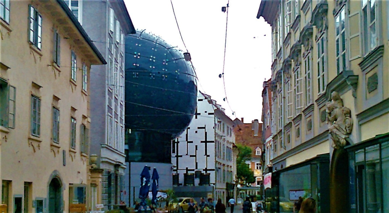 Graz alien street - Graz: tradition and modernity