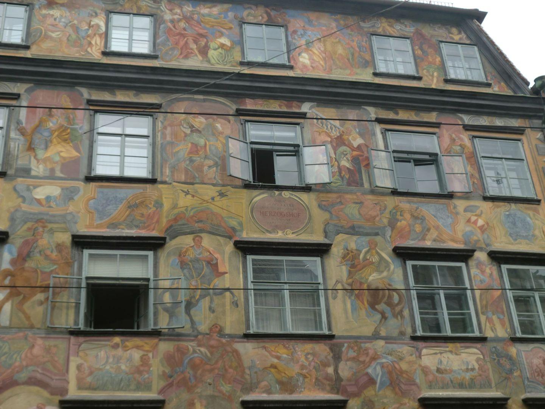 Graz square 7 - Graz: tradition and modernity