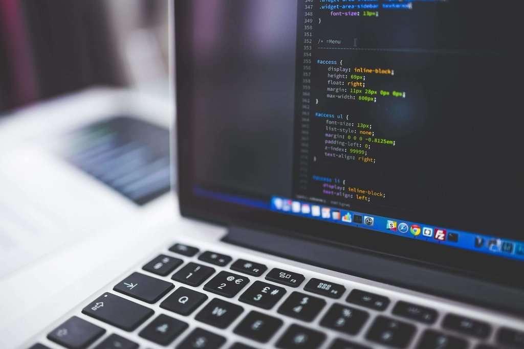 code html CSS sur un ordinateur (macbook pro)