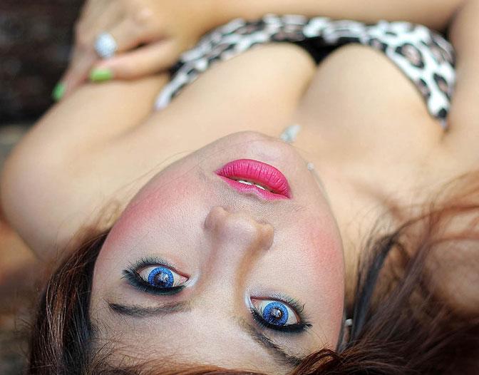 blue-eye-woman