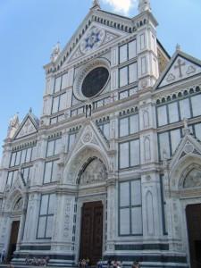 Eglise dans le quartier de Santa Croce à Florence en Italie