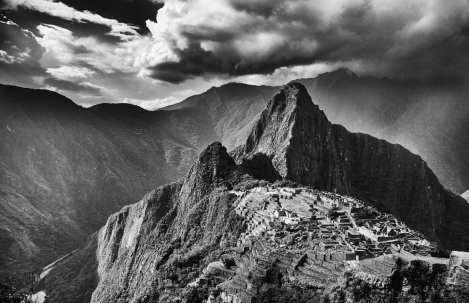 Peru-Travel-Machu-Picchu-Black-and-White-MTS