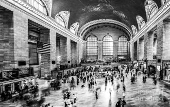 grand-central-station-pano-bw-hannes-cmarits