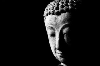 low-key-monochrome-photography-buddha