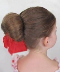 Прически для девочек на длинные волосы28