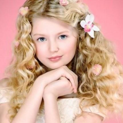 Прически для девочек на длинные волосы3