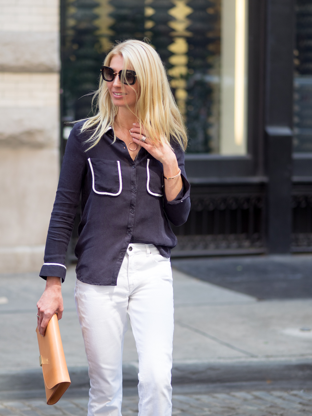 White_FLared_Jeans_look_Denise_Buschkuehle_Instyle_by_Marinke_Davelaar-1506