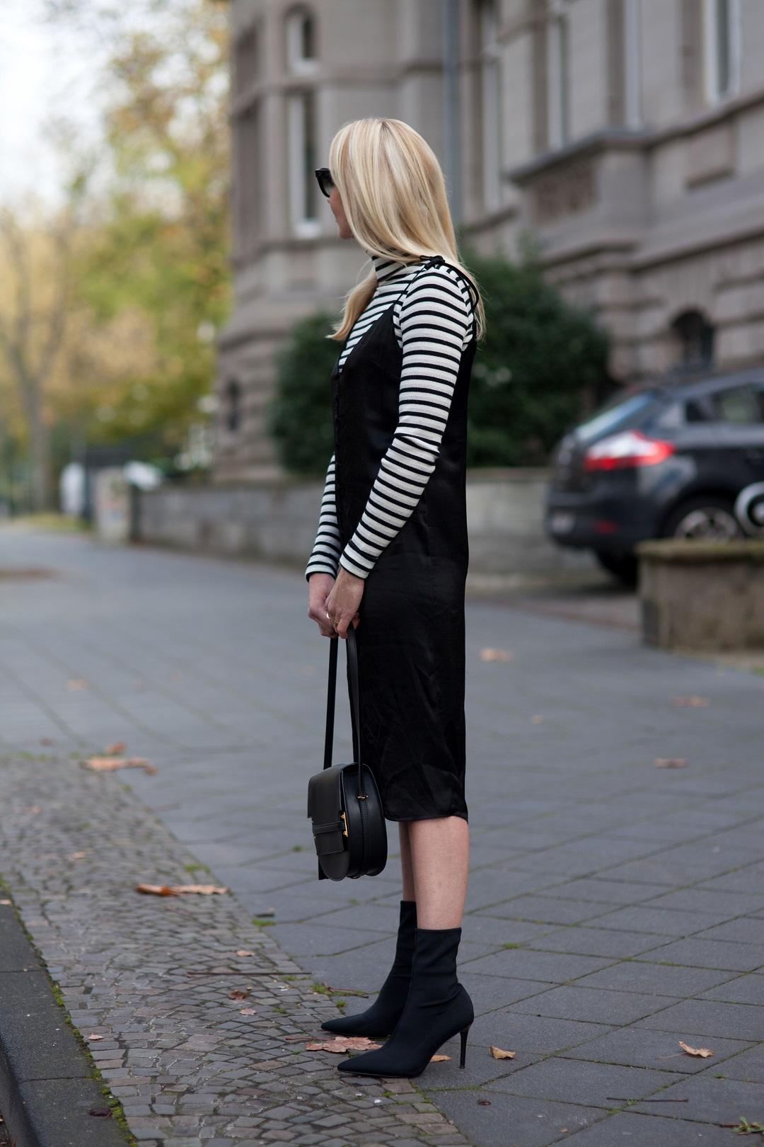 Slip Dress von Topshop und Pullover