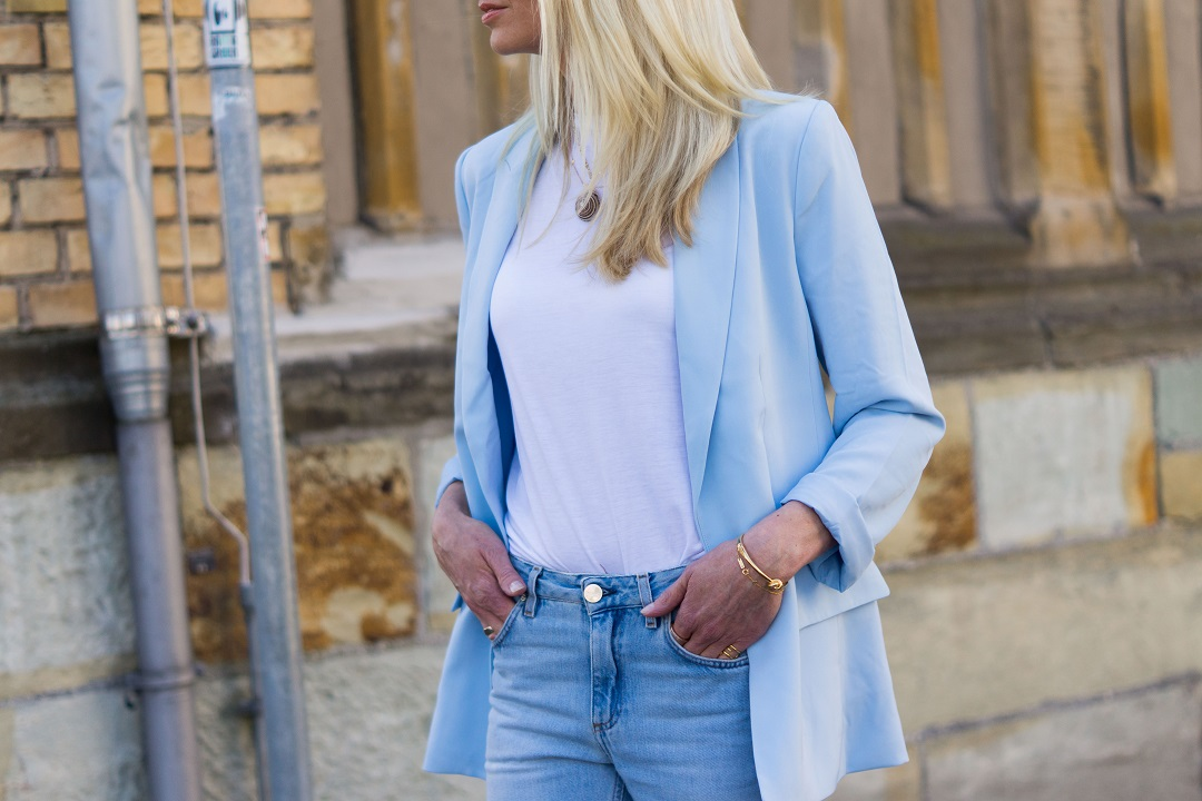 H&M pastel blazer and Toteme jeans