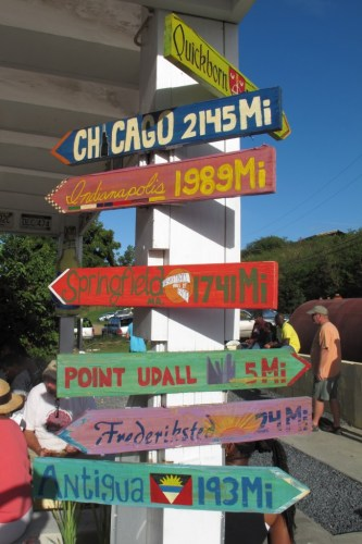 Ziggy's Island Market signs