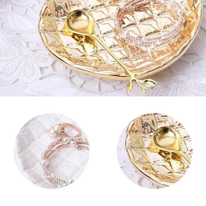 Guangquanstrade Keramik Cantik Piring 3D Nanas Desain Cincin Organizer Nampan Perhiasan