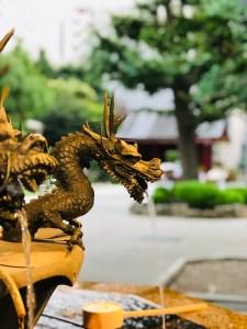 浅草寺手水舎の龍
