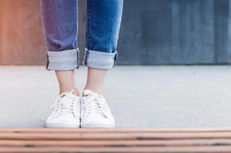 服に合わせやすくシンプルな靴