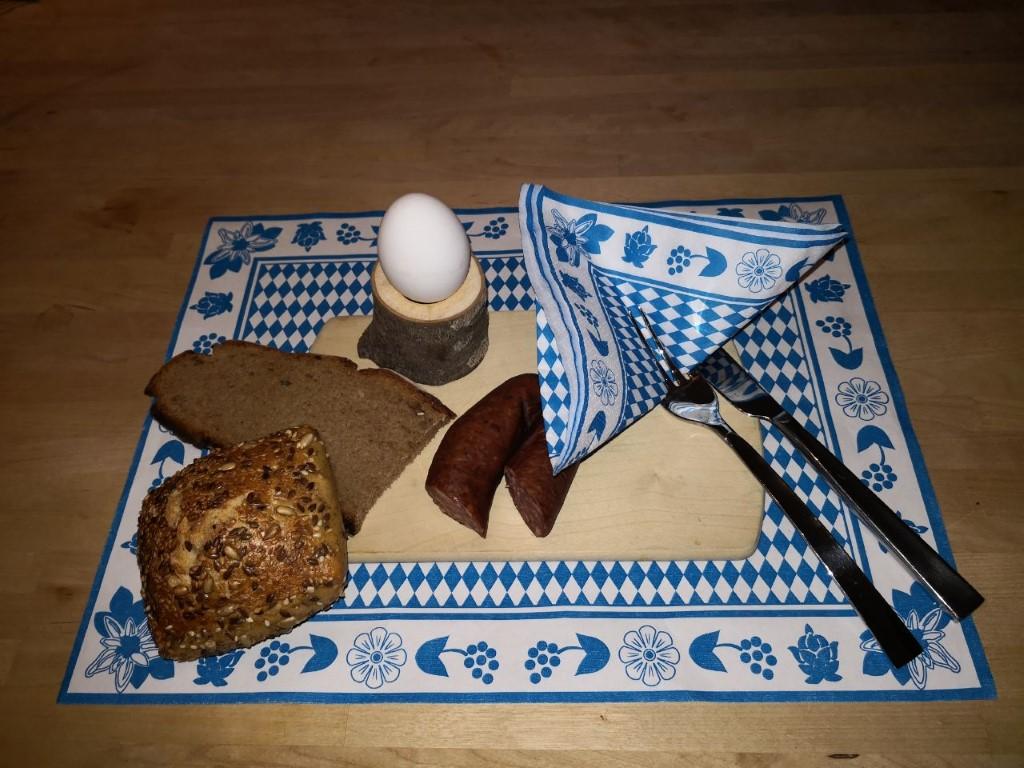 eierbecher-aus-holz