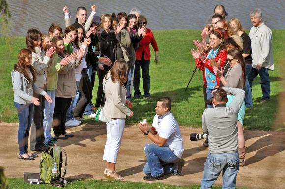 PHOTO: Wedding proposal at the Garden.