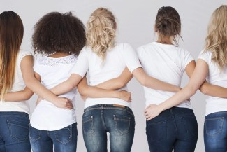 5 women wearing white shirts and jeans: does the color white work for you?