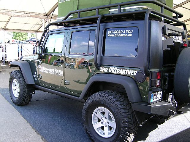 anyone know who makes this roof rack jkowners forum