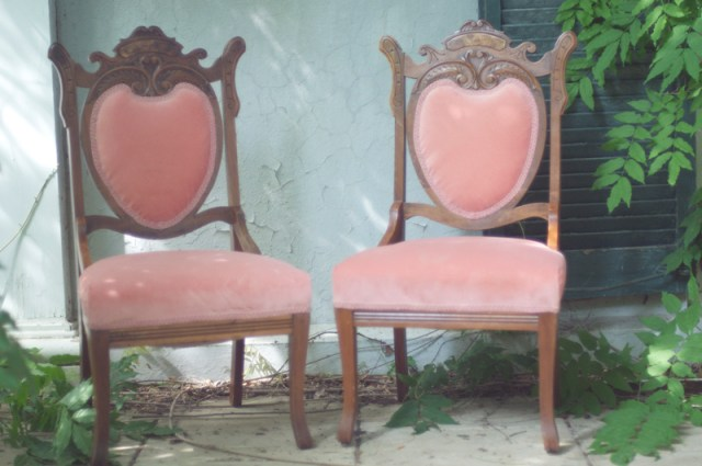 pink parlor chair