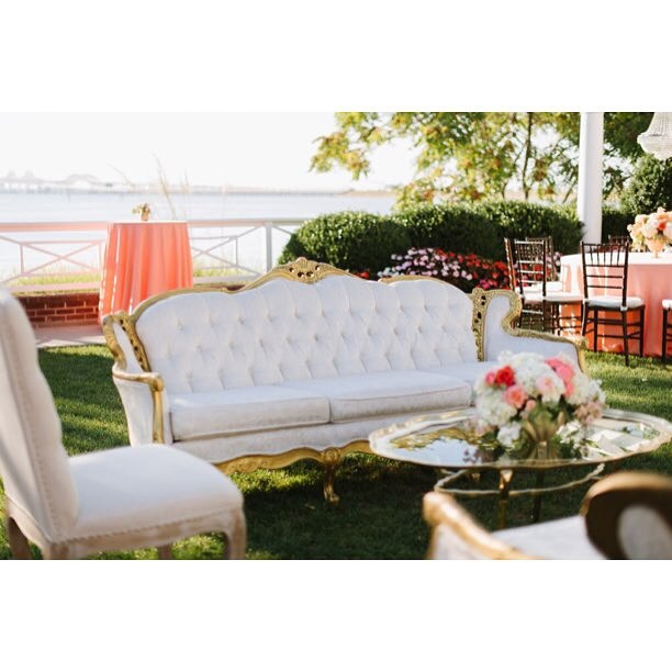 Wishing for warm weather like this again @chesapeakebaybeachclub!  Thanks for the feature @washbridegroom || ?by @nataliefranke || planning by @laurennilesevents || #vintagerentals #vintage #annapolis #wedding #event #eventdesign #mdwedding #vintagewedding #furniture #styling #nomoresnow #gold