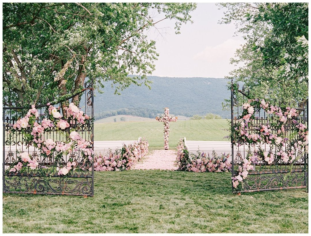 church-pew-rentals-wedding-virginia-vintage-rentals_0038.jpg