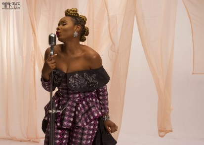 yemi-alade-na-gode-swahili-version-b-t-s-8