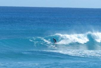 JP_Hughes_Surfing_Garbonzos_Abaco_Bahamas_Headhigh_Right