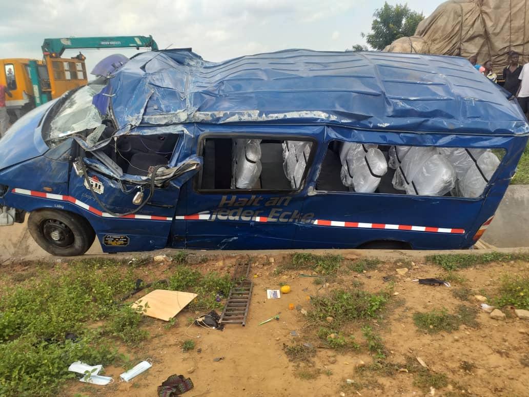 At Least Four Dead, 15 Injured In Car crush At Obretema