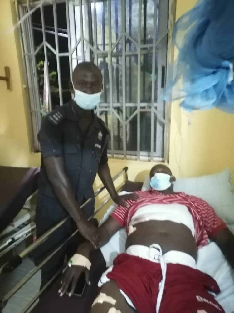 Police Officer Shot 8 Times By Armed Robbers