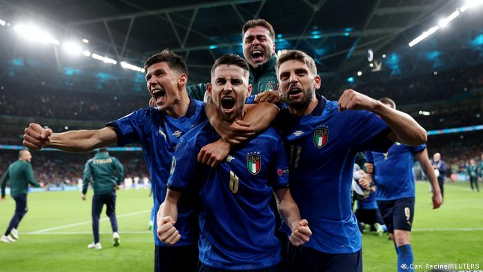 Euro 2020: Italy see off La Roja to book final