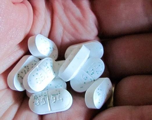 opioid crisis, opioids in America, prescription drug abuse, heroin, opioid abuse, opioid addiction