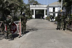 Gambian soldiers guarded the presidential palace in Banjul, the capital, on Monday. Credit Legnan Koula/European Pressphoto Agency