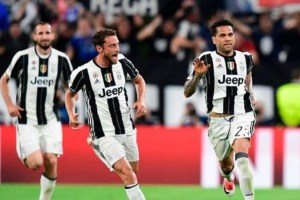 Juventus players celebrate their win