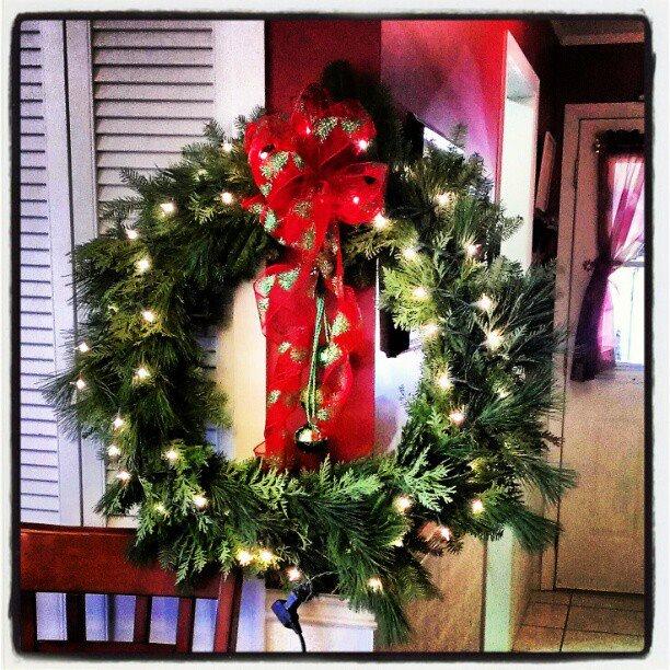 Minimalist Christmas Decorations - My Alternate Life
