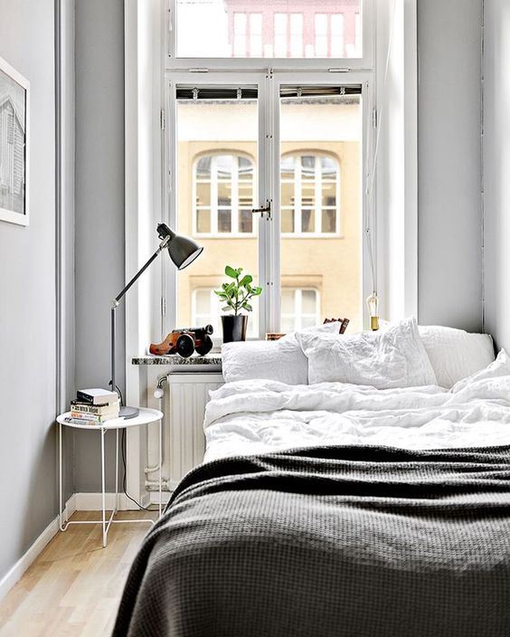10 Ultra Small Bedrooms with King Size Beds on Room Ideas For Small Rooms  id=59644