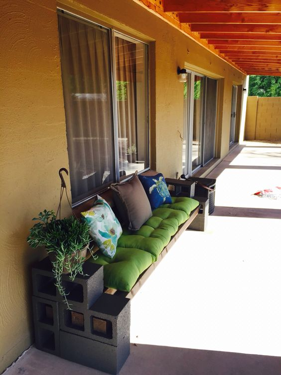 Super Easy DIY Benches for Your Yard You Should Not Miss on Contemporary:kkgewzoz5M4= Small Bathroom Ideas  id=25090