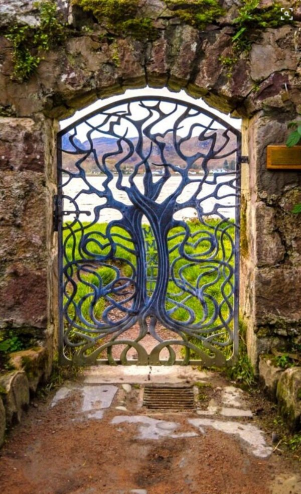 18 Majestic Metal Garden Gates That Will Make You Say WOW ... on Backyard:uuezyx-Hy-8= Landscape Design  id=78153