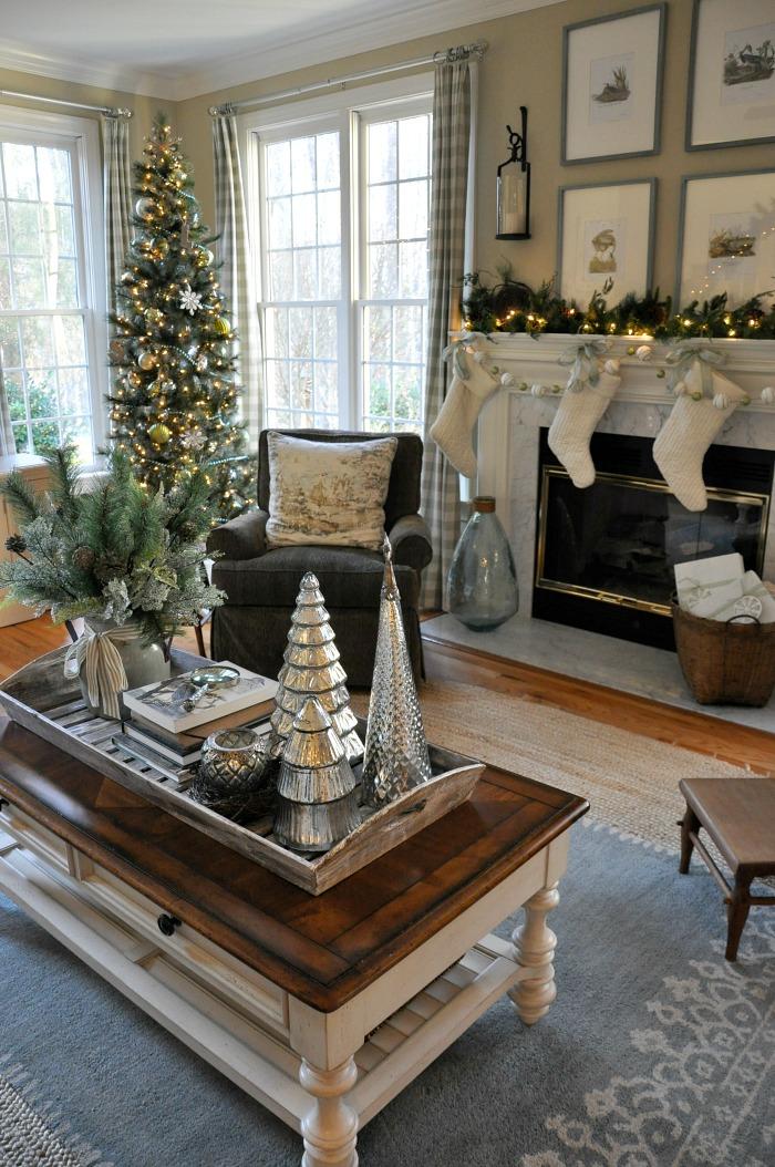 christmas coffee table decor ideas that